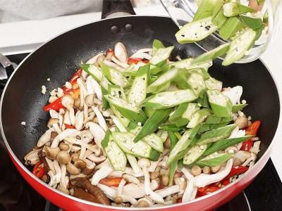 食譜-秋葵炒雙菇