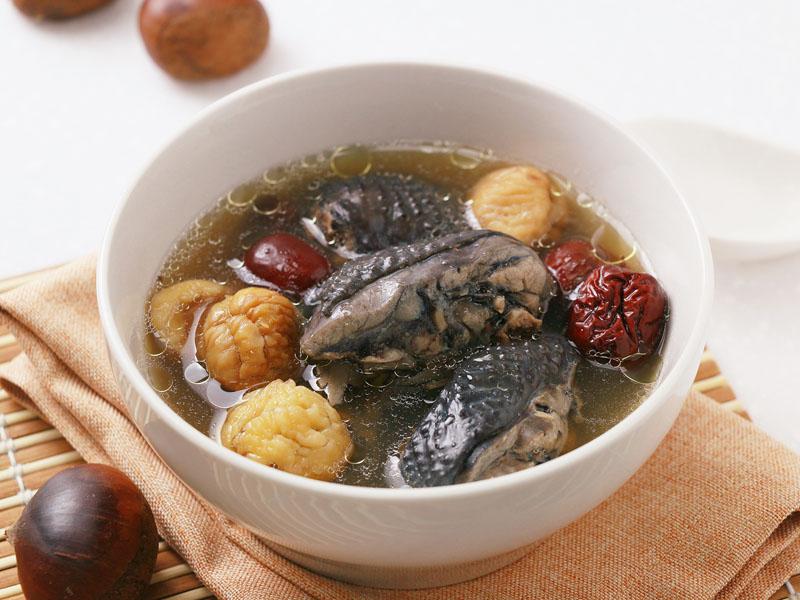 食譜-紅棗栗子烏雞湯