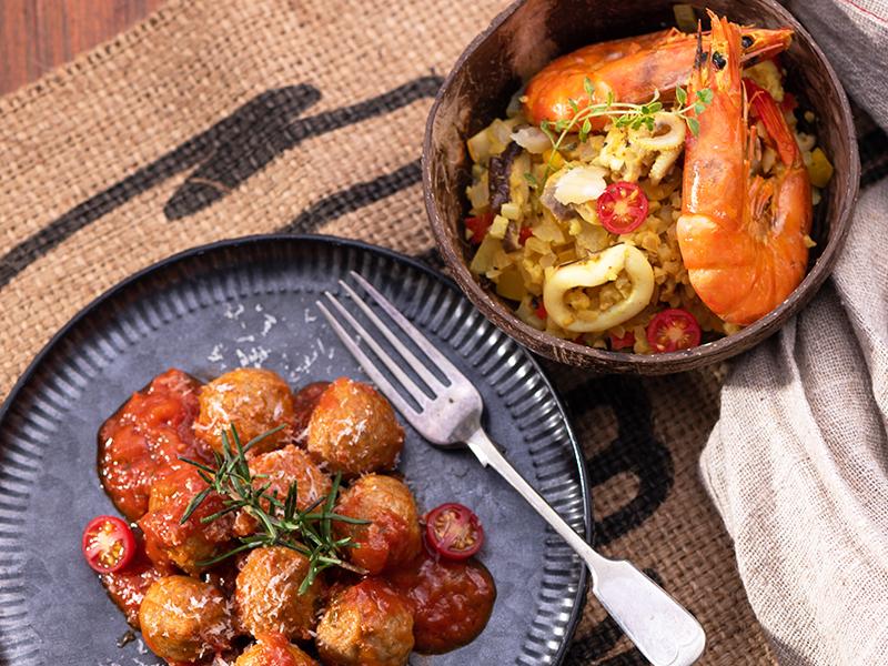 食譜-一鍋兩菜:西班牙海鮮炊花椰菜米+義式肉丸子